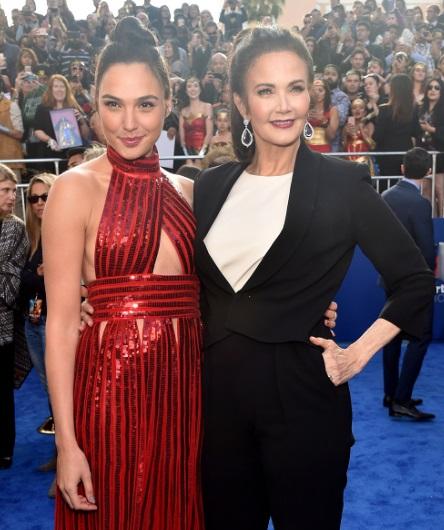 Las actrices Gal Gadot y Lynda Carter (Getty Images)