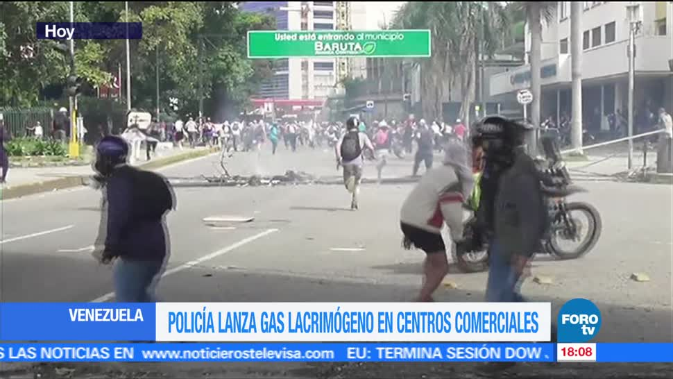notcias, forotv, Policía, lanza, gas lacrimógeno, centros comerciales en Venezuela
