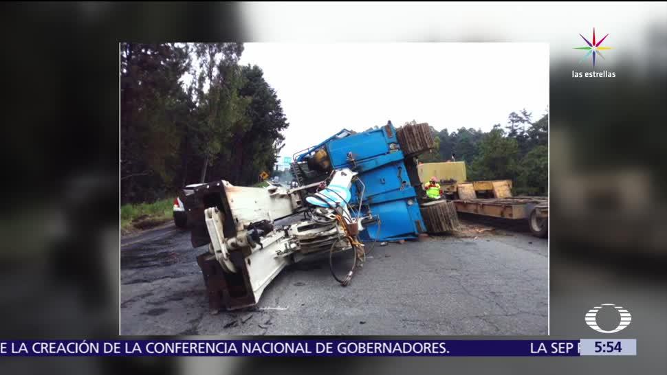 carretera federal, México-Toluca, la marquesa, camión con maquinaria