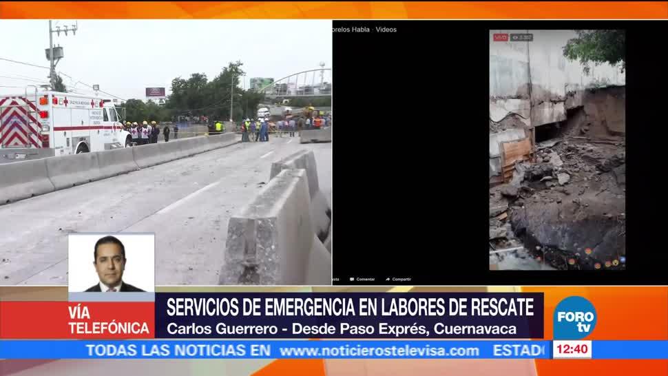 Dos personas viajaban en auto, cayó en socavón, Paso Express de la autopista México-Cuernavaca