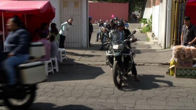 Motociclistas, entregan apoyos, albergue, CDMX