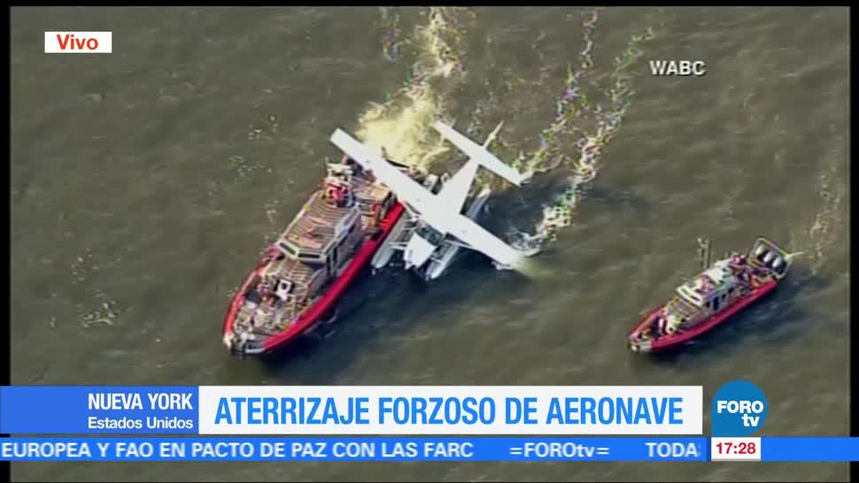 Hidroavion, Aterriza De Emergencia, Bomberos De La Ciudad, Nueva York