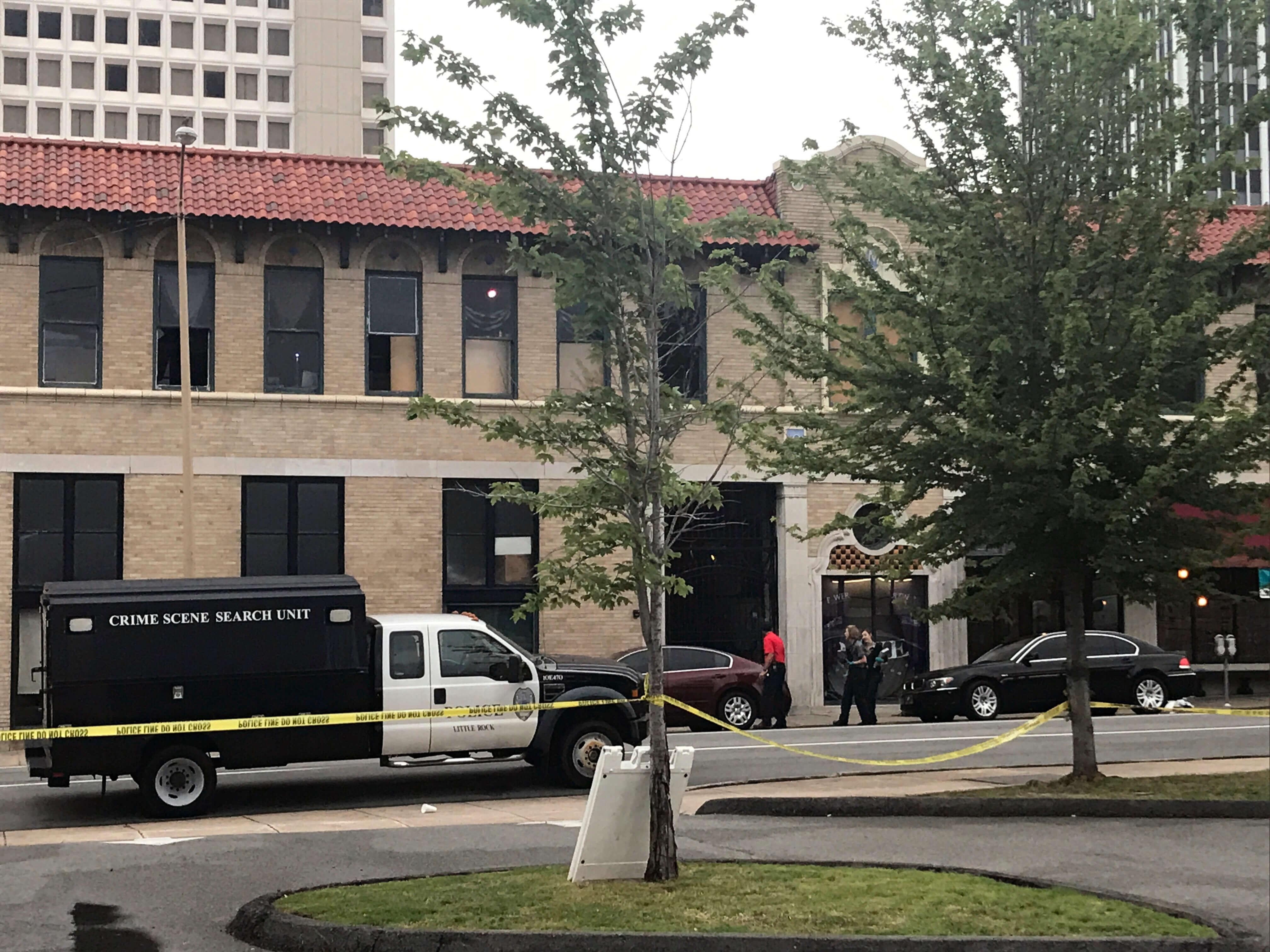 Tiroteo en club nocturno de Arkansas deja a 17 heridos