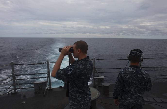 Tropas del Ejército de EU, pilotos de la Fuerza Aérea y buques de la Armada (AP)
