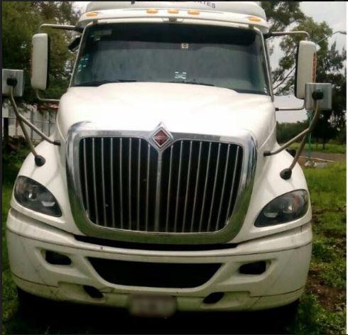 Tractocamion decomisado en Michoacan con reporte de robo