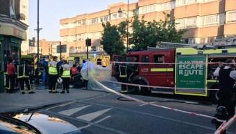 Ambulancias servicios emergencia britanicos jovenes atacados acido