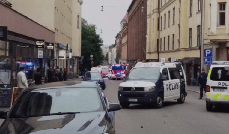 Vehículo arrolla a multitud en Helsinki, hay un muerto