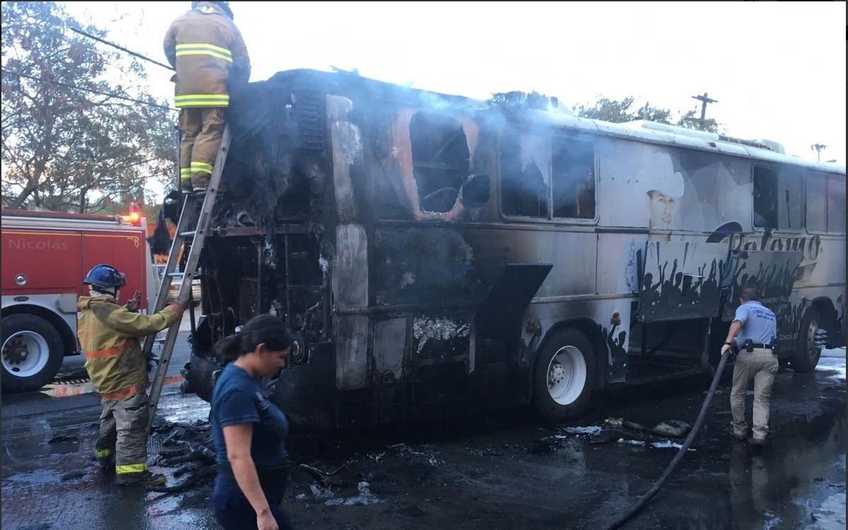 Arde autobús del grupo Palomo