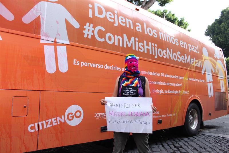 Protestas contra el bus de la libertad