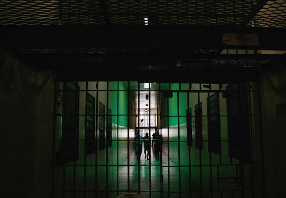 Autoridades argentinas condenan a una mujer y un hombre a la cárcel por los crímenes de su hijo (Getty Images/archivo)