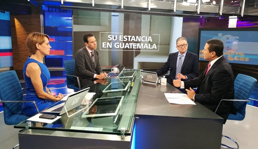 Carlos Raúl Morales, canciller guatemalteco, en la mesa de Despierta con Loret