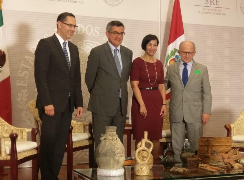 Diego Prieto, Julio Garro Gálvez, Socorro Flores, y Alejandro Alday. (Twitter Perú en México)