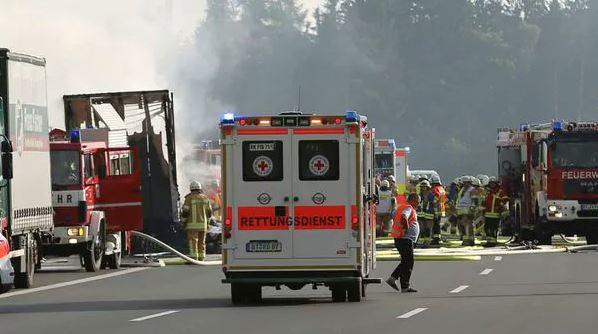 Heridos, Choque, Autobús, Alemania, desparecidos, heridos, Accidente, Policía, Bomberos