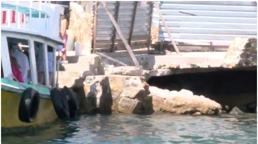 Suspenden remodelación muelle Caleta Acapulco vacacional