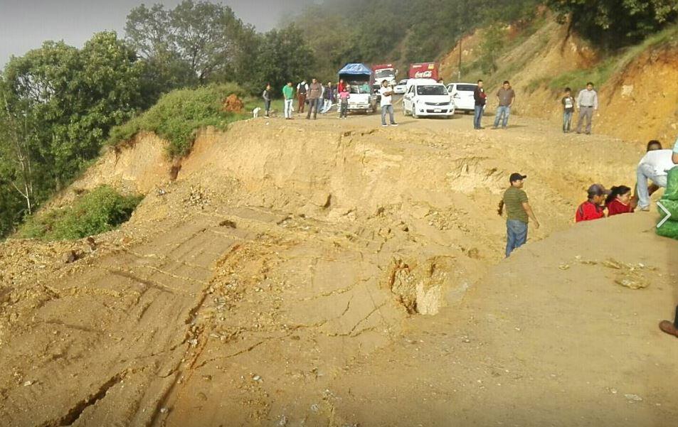 Provocan lluvias derrumbes carreteros en La Montaña de Guerrero