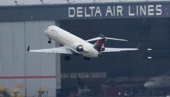 Despegue de un avión de Delta Airlines