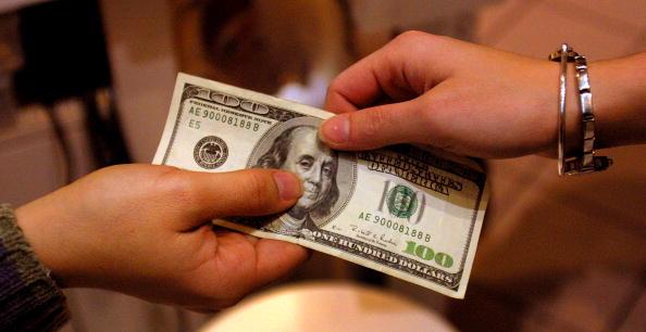 El dólar continúa a la baja. (Getty Images Archivo)