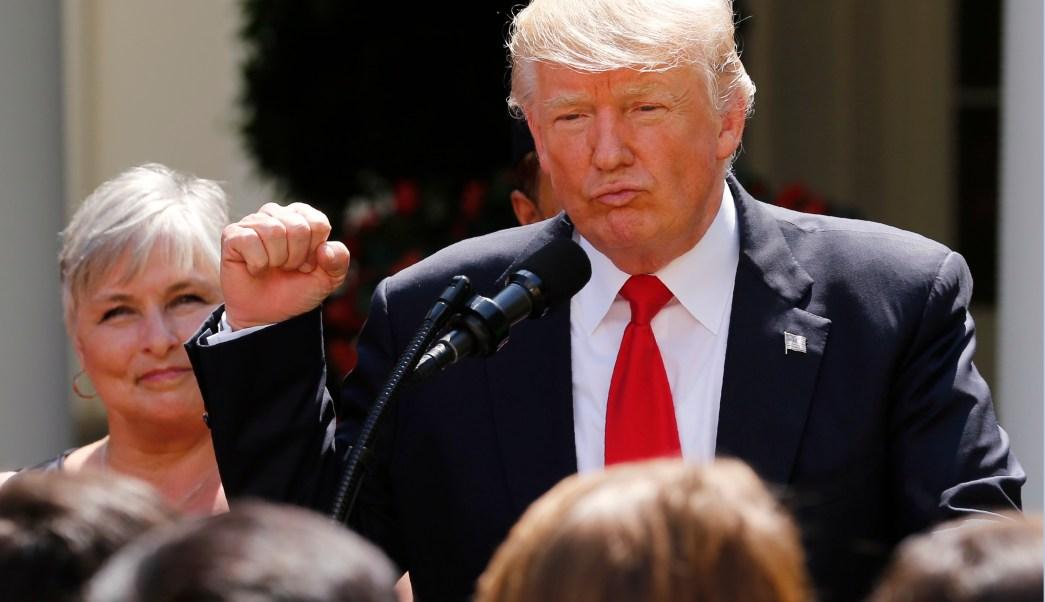 Trump Donara Salario Educacion Departamento Meses
