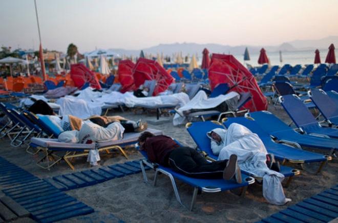Residentes, Turistas, Grecia, Duermen, Aire Libre