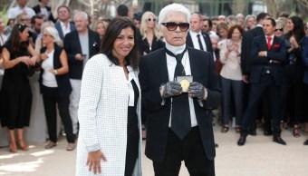 El disenador de Chanel es reconocido con la medalla Grand Vermeil