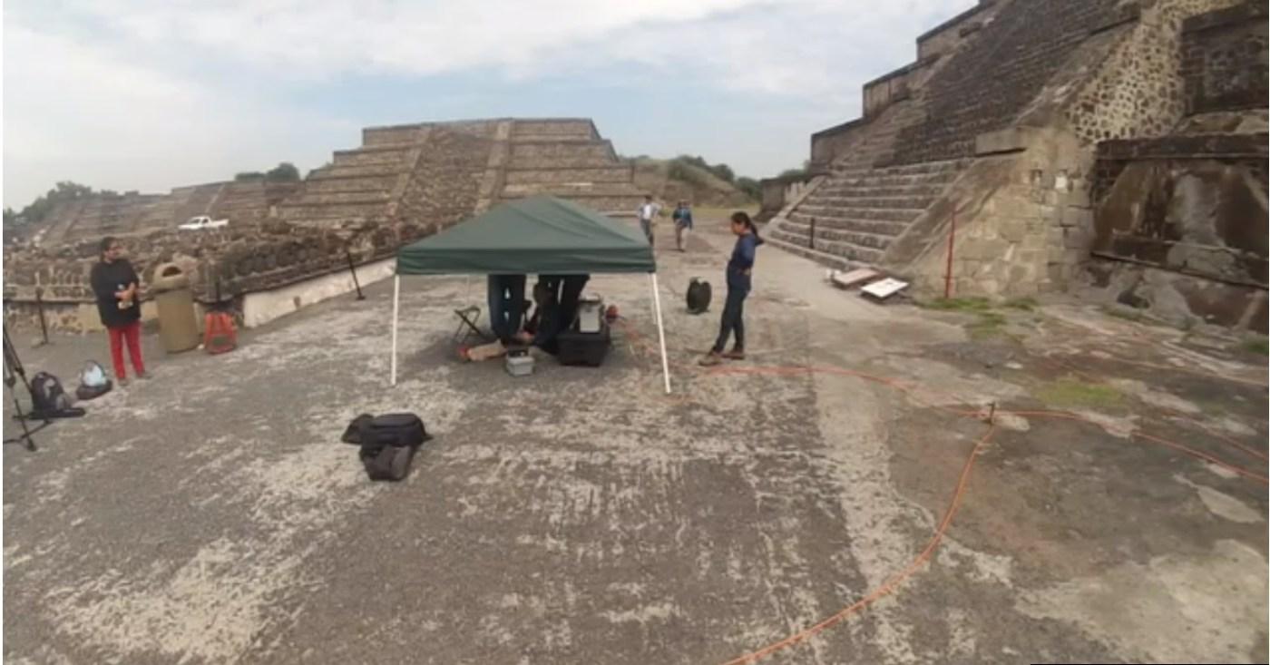 arqueologos analizan la piramide de la luna