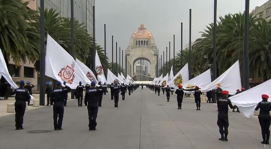 EPN encabeza izamiento de banderas por XV Aniversario de Conago. (Presidencia)
