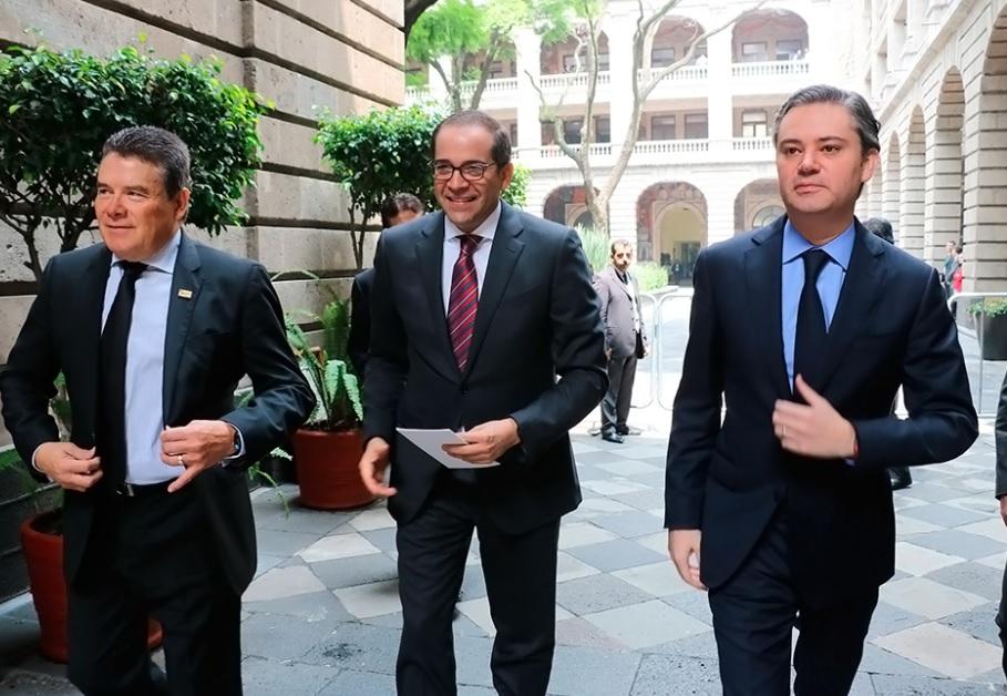 Juan Díaz de la Torres, Javier Treviño y el titular de la SEP, Aurelio Nuño. (SEP)