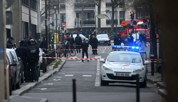 Testigos indican que los atacantes iban con el rostro cubierto (La Provence)