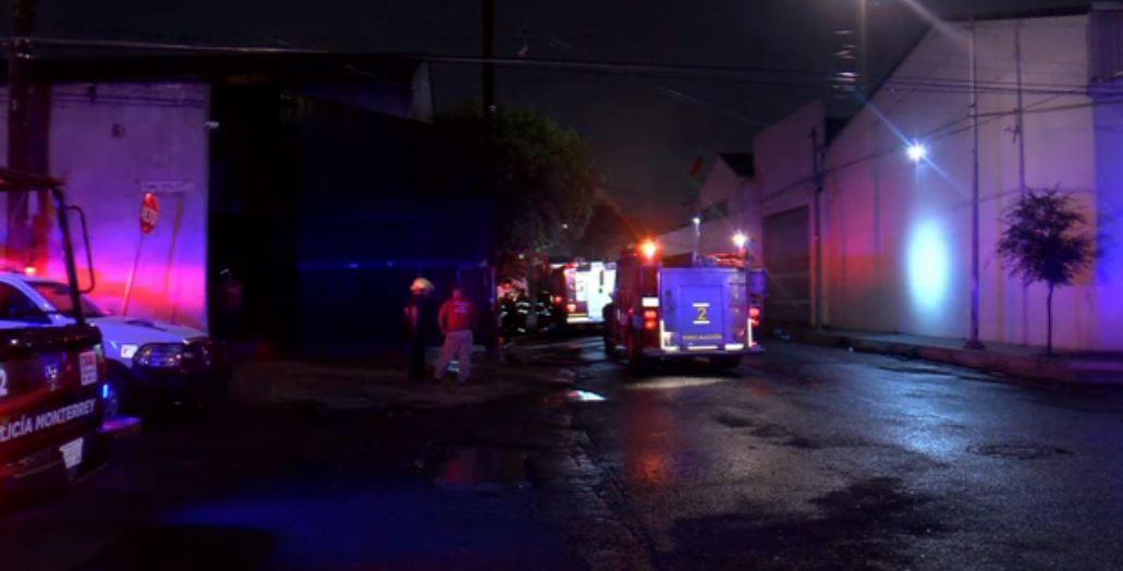 Incendio en bodega de plásticos de Monterrey