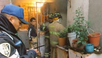incendio, vivienda, calle Mariano Azuela, Santa María La Ribera, flamazo