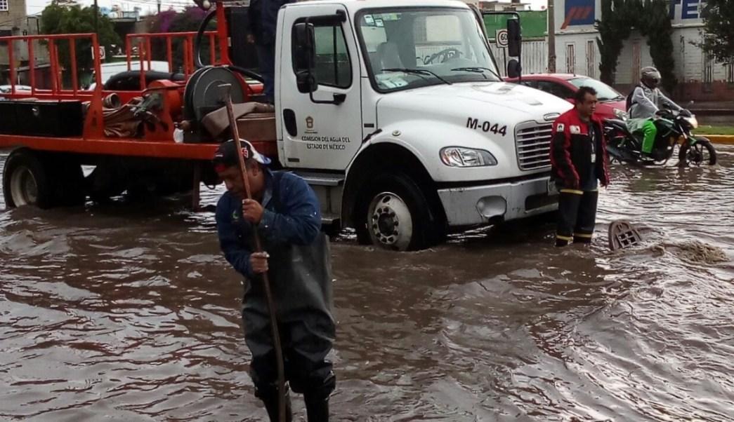 Lluvias provocan encharcamientos en Tultitlán. (Twitter CAEM)