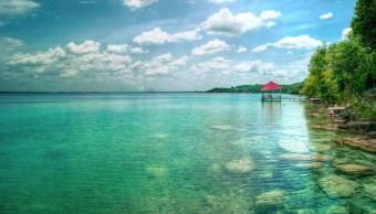 Laguna de los siete colores, atractivo de Bacalar, en Quintana Roo