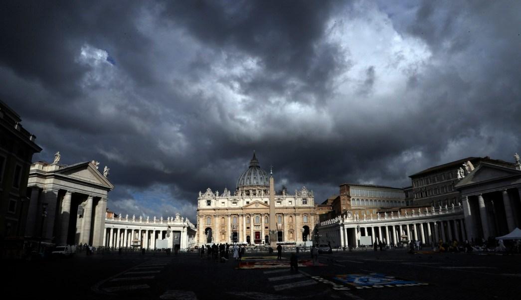 Resultado de imagen para el vaticano con escandalos