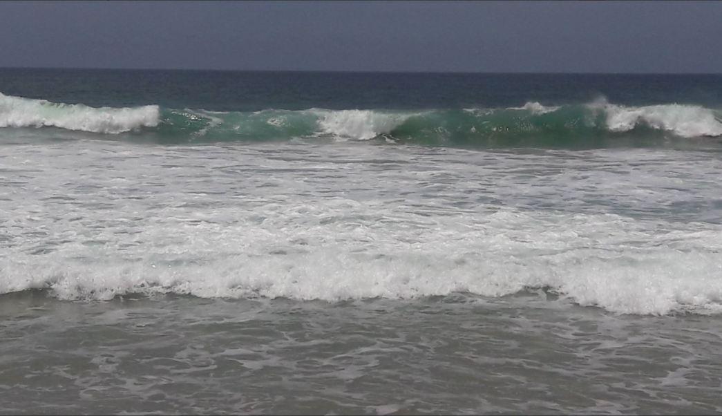 Mar de fondo afecta a las playas de Oaxaca