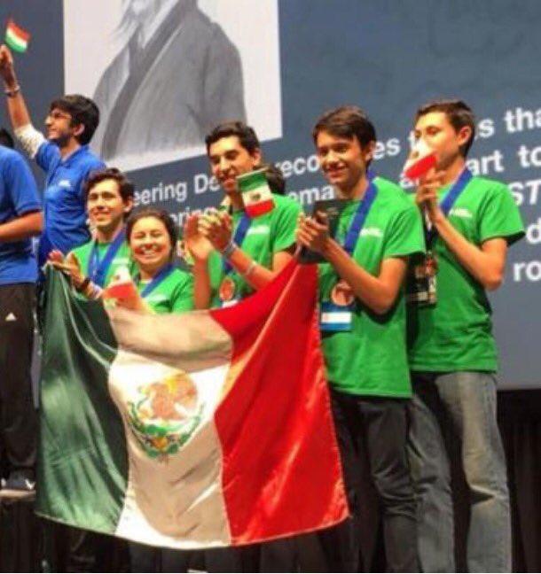 Mexicanos ganan medalla de bronce en Mundial de Robótica