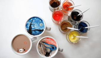 Obras de arte famosas son recreadas en tazas de cafe