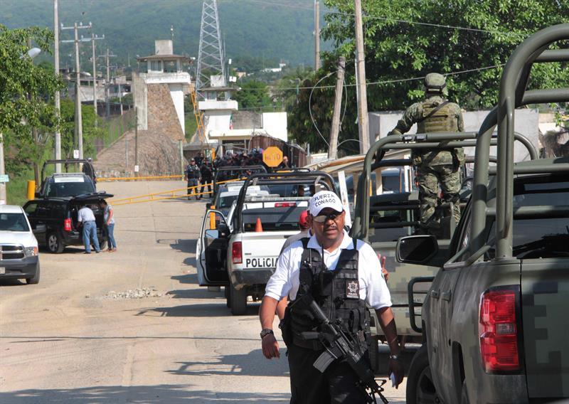 Operativo al exterior del penal de Acapulco, Guerrero