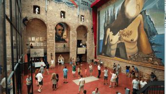 La tumba de Salvador Dali en Figueres Espana
