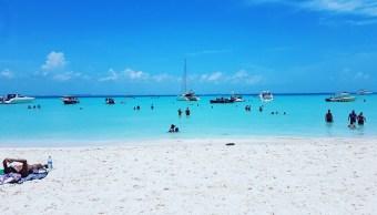 Agua de playas mexicanas, apta para recreación. (Twitter Playa Riviera Maya)
