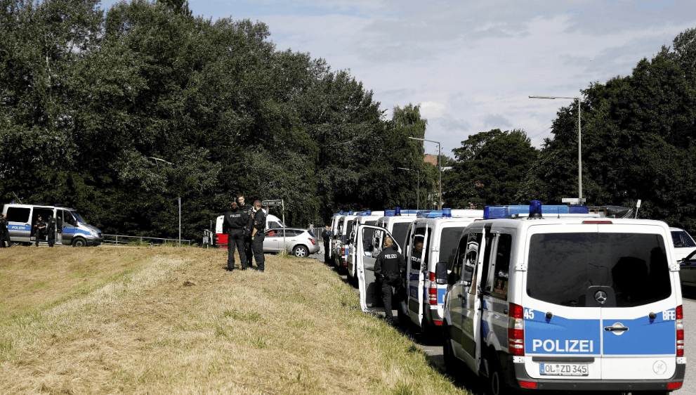 Policía de Alemania desmantela campamento de manifestantes en Hamburgo