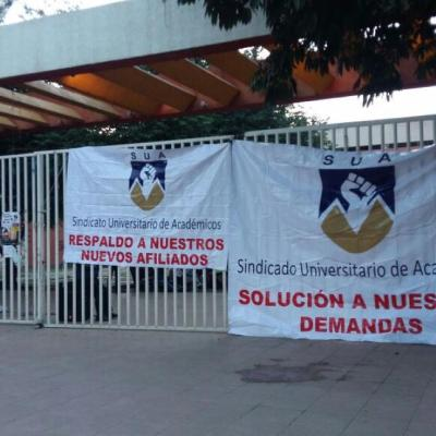 Sindicato toma instalaciones de Ciudad Universitaria de la UABJO