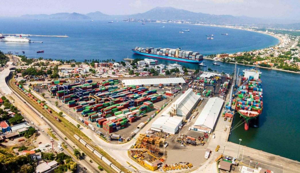 Repunta movimiento de carga en el puerto de Manzanillo, Colima