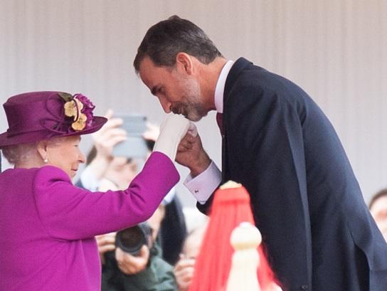 Recibe a Reyes de España