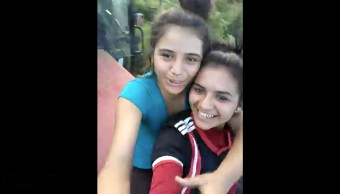 hermanas, aplastadas, instantes, tractor, video, chicas
