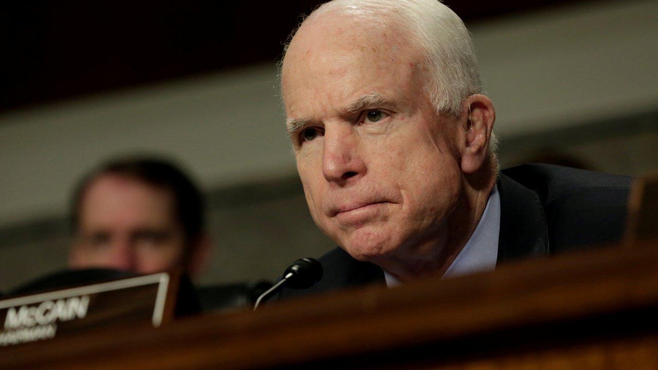 Senador republicano McCain Washington reforma salud