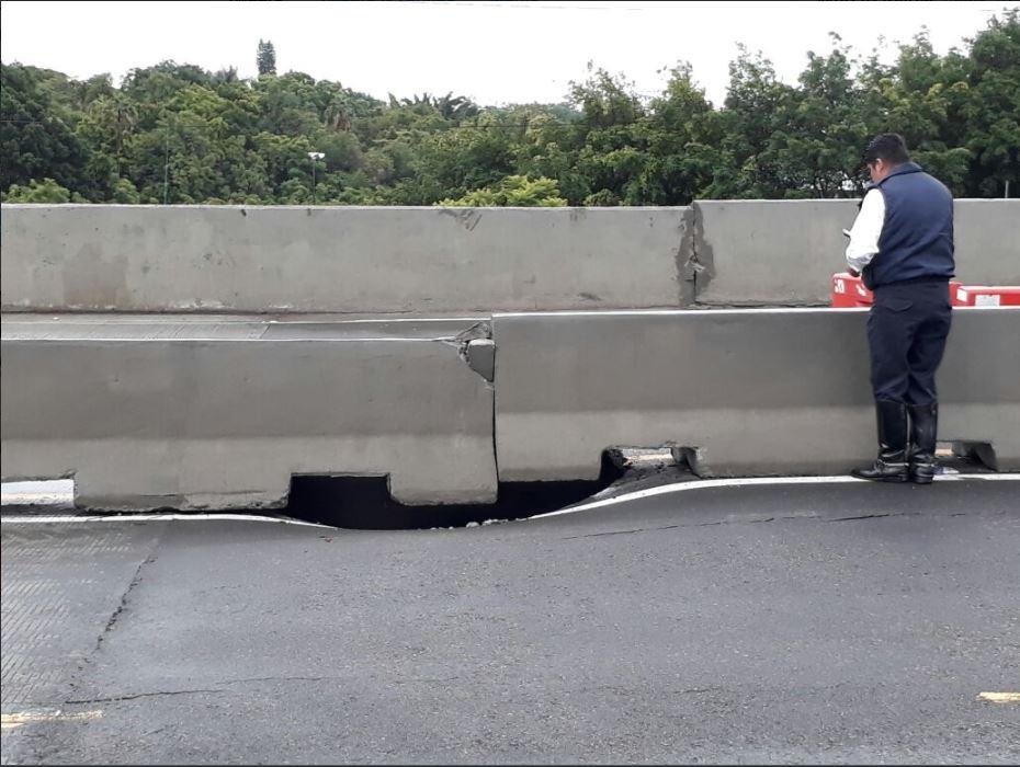 """Morelos: socavón en Paso Exprés, el cual fue inaugurado ¡hace tres"""""""