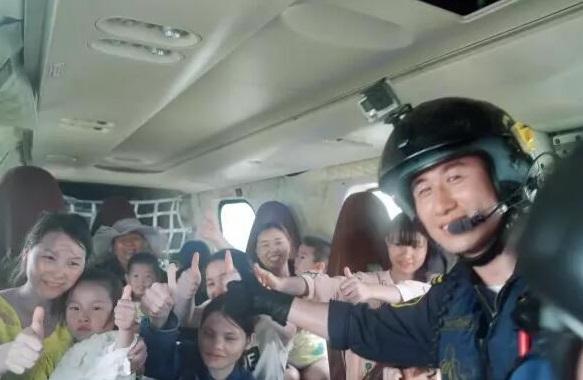 49 turistas rescatados de la isla del Mar del Sur de China (Foto: Shanghaidaily)