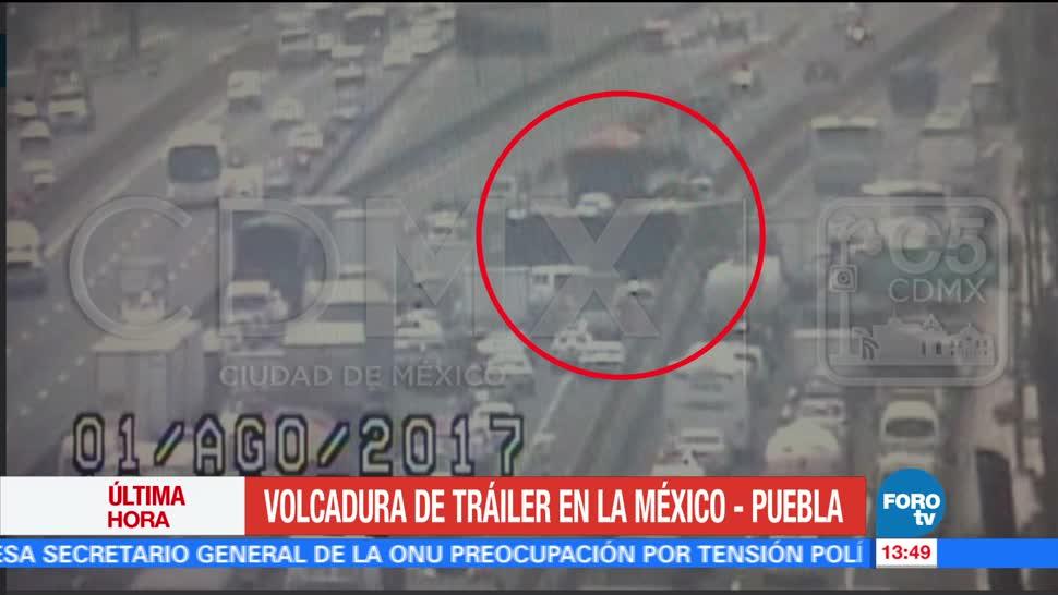 Vuelca Trailer Autopista Mexico-Puebla Kilometro 22+500 Direccion A Puebla
