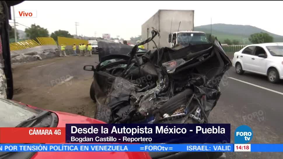 Trailer Vuelca Aplasta Autos Autopista Mexico–Puebla