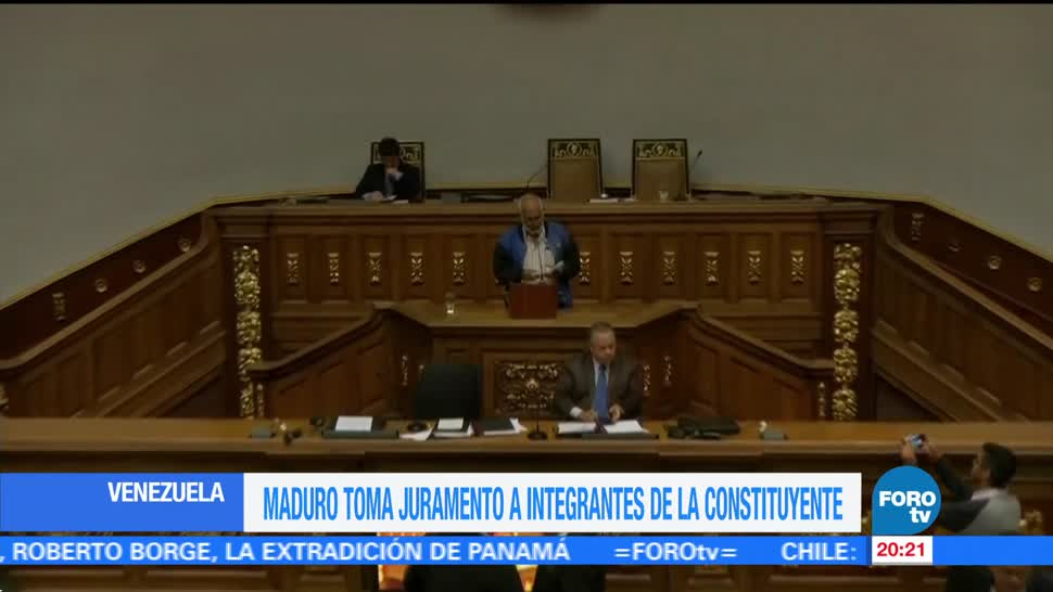 Maduro toma juramento a constituyentes Venezuela